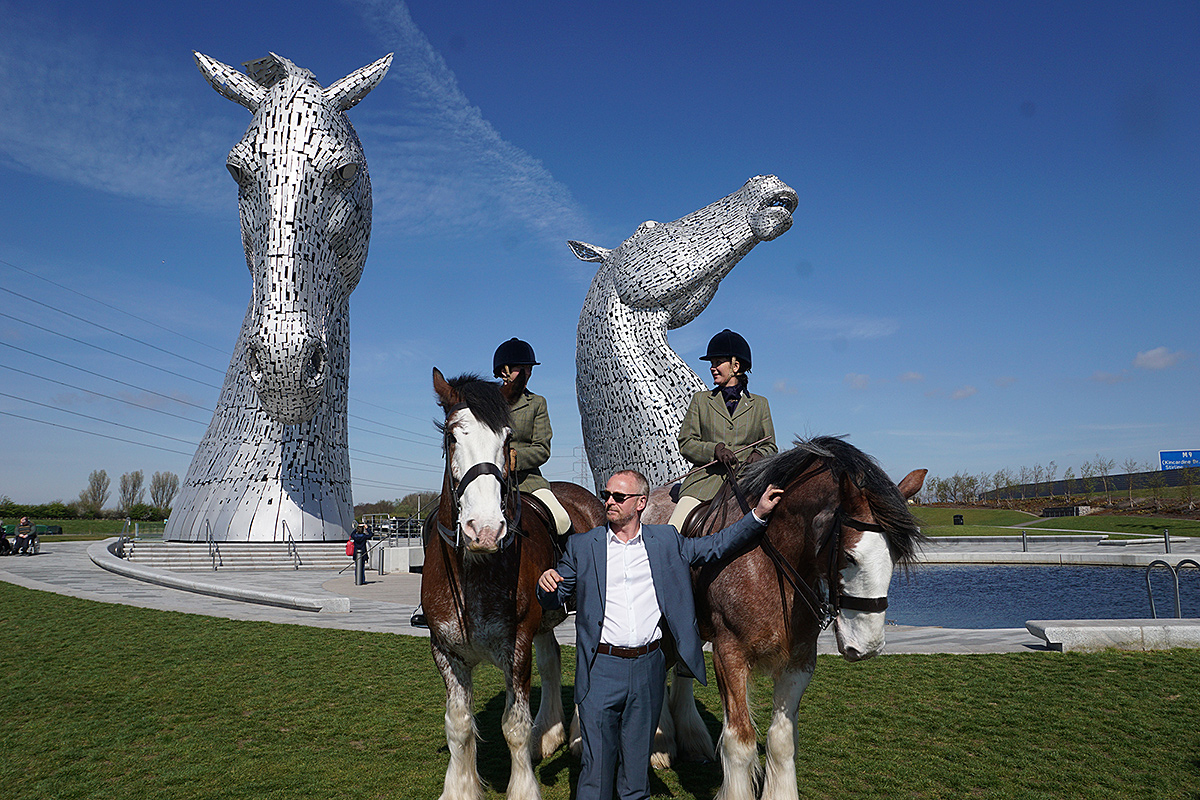 What is the story behind the Kelpies ?